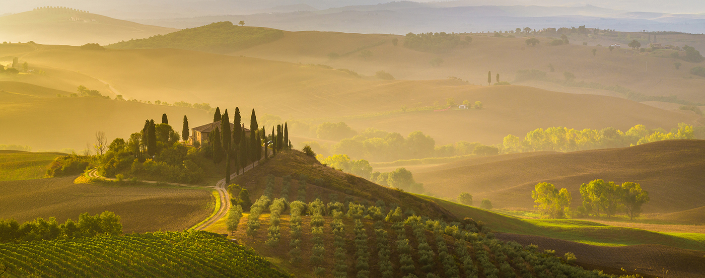 Photo of panoramic view of Val d'Orcia Tuscany