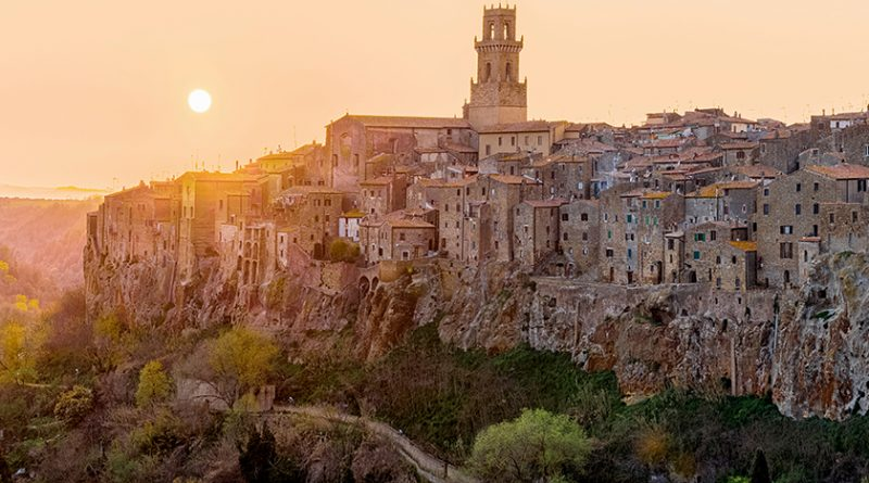 Photography: Panoramic View of Pitigliano