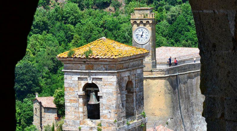 Photography of Campanile and Torre dell'Orologio in Sorano