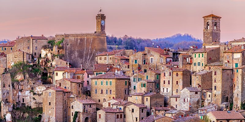 Photography: Panoramic view of Sorano