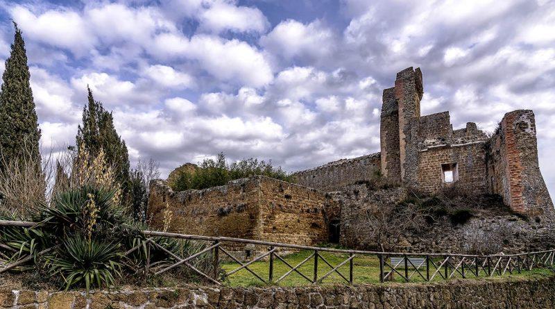Photography of Aldobrandeschi castle in Sovana